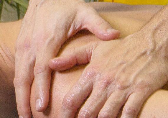 Massaggio decontratturante - Studio Zendo Bergamo - studio olistico